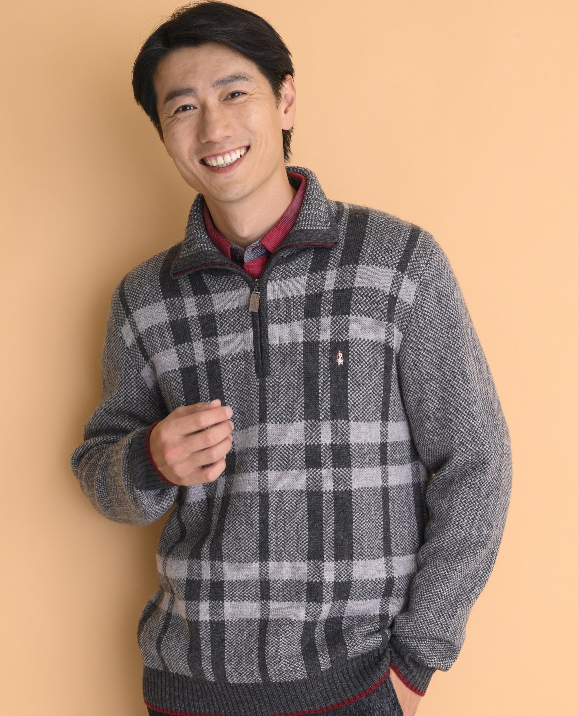 JQチェックハーフZIPセーターモデル画像