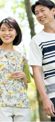 【Vol,120】初夏に映えるデザインTシャツ。着心地から見た目まで大人仕様で上品に。
